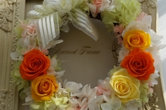 flower-factories-wreath